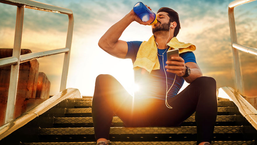 How much water do I need? When should I use a sports drink?